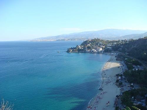 Spiaggia Caminia Calabria. Fonte Flick